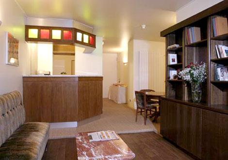 Réception Hôtel Cyrnos Paris
