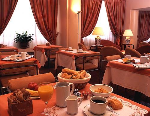 Salle petit déjeuner Hôtel Parc Saint Séverin Paris