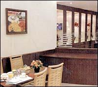 Salle petit déjeuner Hôtel Terminus Montparnasse Paris