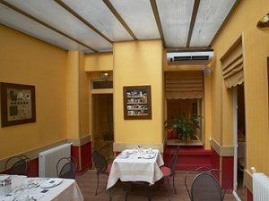 Salle petit déjeuner Timhotel Elysées Paris