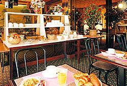 Salle petit déjeuner Hôtel la Boetie Paris