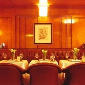 Salle petit déjeuner Hotel de Vigny Paris