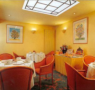 Salle petit déjeuner Hôtel Washington Paris