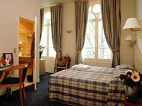 Chambre Hotel Blanche Fontaine Paris