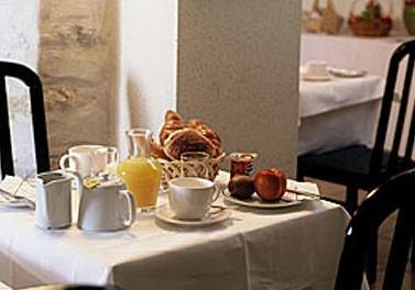Petit déjeuner Tulip inn Celte Lafayette Paris
