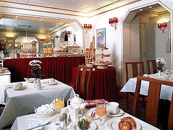 Salle petit déjeuner Hôtel Central Monty Paris