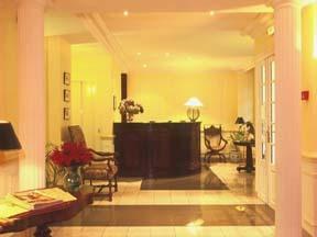 Réception Hôtel des Trois Poussins Paris