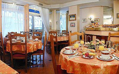 Salle petit déjeuner Hôtel du Casino Paris