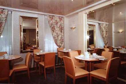Salle petit déjeuner Hôtel de Genève Paris