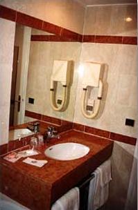 Salle de bain Hôtel le Relais du Louvre