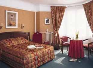 Chambre Hôtel Royal Fromentin Paris