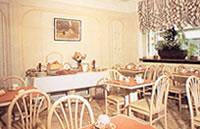 Salle petit déjeuner Hôtel Relais du Pré Paris