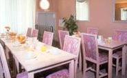 Salle petit déjeuner Kyriad Montmartre Paris