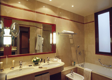 Salle de bain Edouard VII Hotel Paris