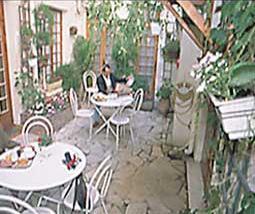 Petit déjeuner Patio Hôtel Nord et Champagne Paris