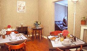 Salle petit déjeuner Hôtel Saint Quentin Paris