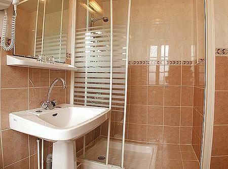 Salle de bain Hôtel Little Régina Paris