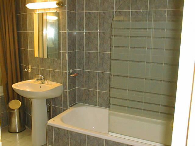 Salle de bain Hôtel Voltaire République Paris