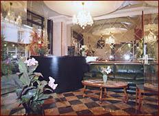 Réception Modern Hôtel Paris