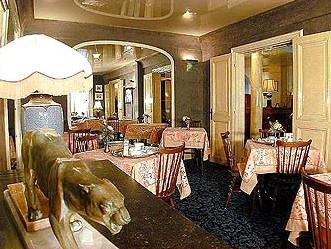 Salle petit déjeuner Hôtel Favart Paris
