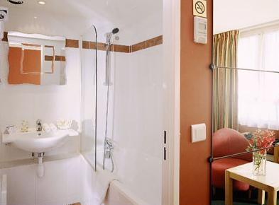 Salle de bain Hôtel de Bretagne Montparnasse Paris