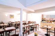 Salle petit déjeuner Hôtel Kyriad Paris Alésia