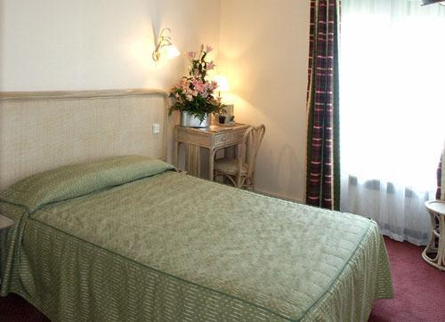 Chambre Hôtel de l'Orchidée Paris