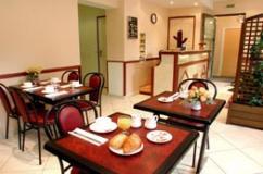 Salle petit déjeuner Cactus Hôtel Paris