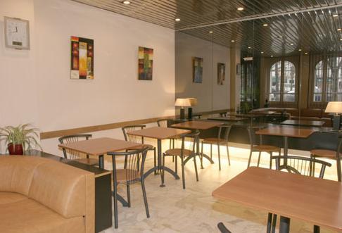 Salle petit déjeuner Hôtel Camélia Paris