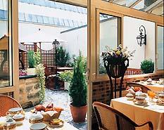 Salle petit déjeuner Hôtel Fondary Paris