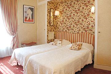 Chambre Hôtel Bailli De Suffren Tour Eiffel Paris
