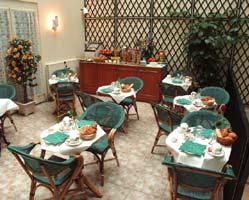 Salle petit déjeuner Best Western Eiffel Cambronne Paris