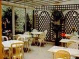 Salle petit déjeuner Modern'Hôtel Val Girard Paris