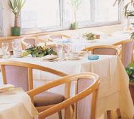 Salle petit déjeuner Hôtel Médian Paris Porte de Versailles