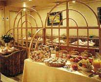 Petit déjeuner Hôtel Yllen Eiffel Paris