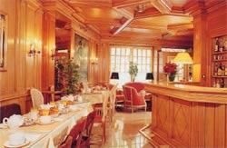 Salle petit déjeuner Hôtel Murat Paris
