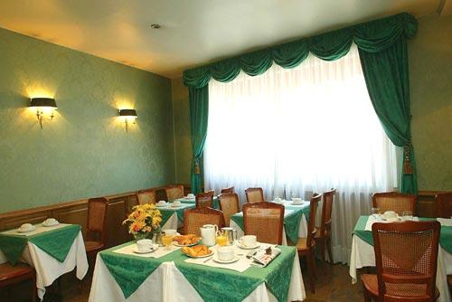 Salle petit déjeuner Classics Hôtel Tour Eiffel Paris