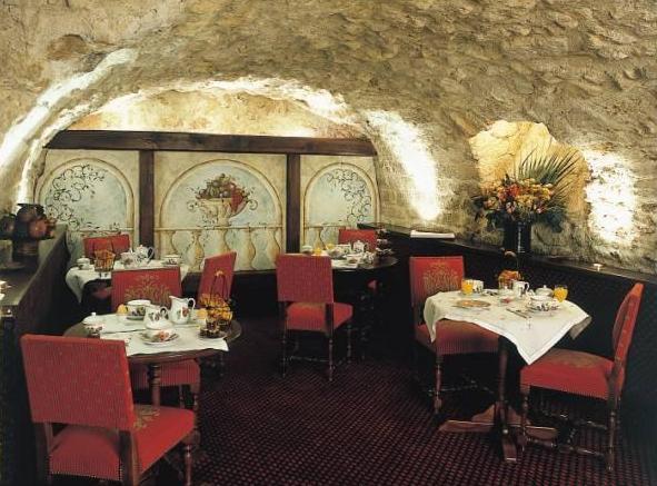 Salle petit déjeuner Hotel de la Bretonnerie