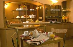 Salle petit déjeuner Etoile Park Hôtel Paris