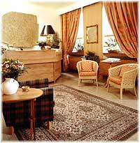 Réception Hôtel des Deux Acacias Paris