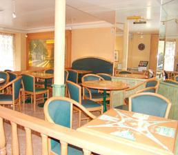 Salle petit déjeuner Hôtel Mac Mahon Paris