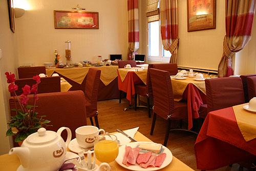 Salle petit déjeuner Hôtel Royal Magda Paris