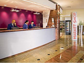 Réception Hôtel Mercure Paris La Défense 5
