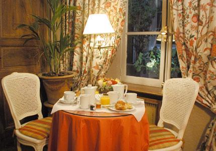 Salle petit déjeuner Hôtel de Lutèce