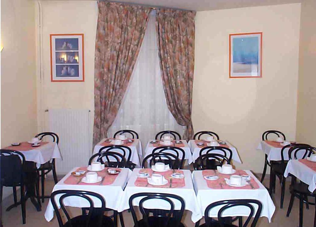 Petit déjeuner Hotel Voltaire Asnières sur Seine