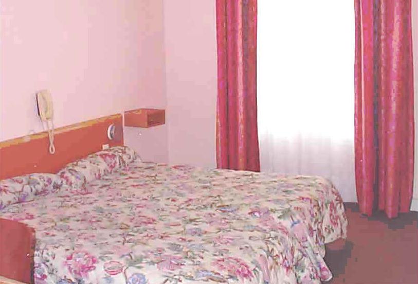 Chambre Hotel Voltaire Asnières sur Seine