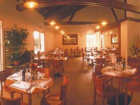 Petit déjeuner Hotel Kyriad Villeneuve la Garenne