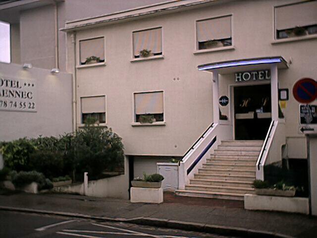 Façade Hôtel Laennec Lyon 08