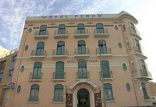 Façade Hôtel Peron Marseille 07
