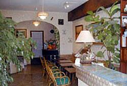 Réception Hôtel L'Eau des Collines Marseille 11